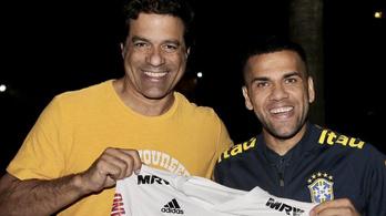 Dani Alves 17 év után visszatért Brazíliába