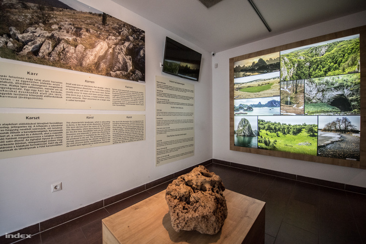 Tapolcai-tavasbarlang látogatóközpontja
