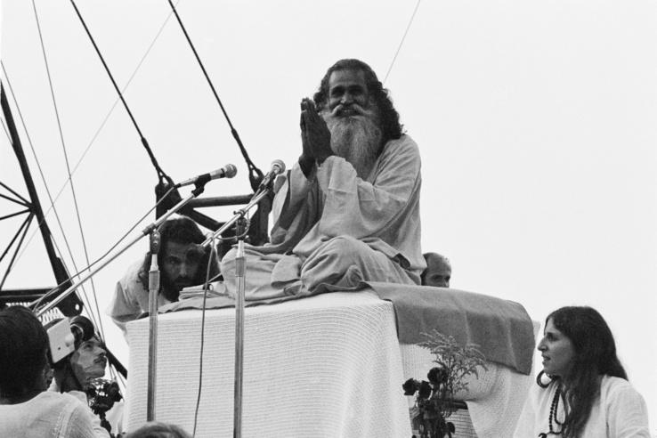 Swami Satchidananda nyitóbeszéde a Woodstock Fesztiválon 1969. augusztus 15-én