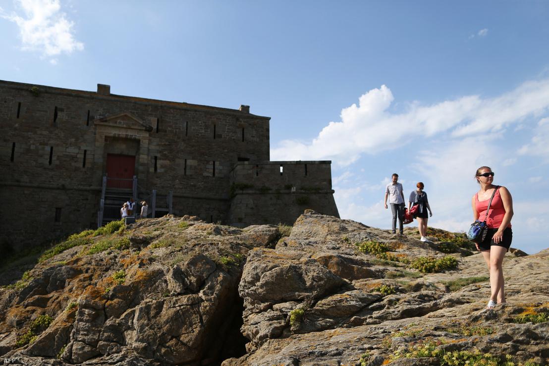 Az Airbnb-n keresztül akár olyan különleges helyeken is megszállhatunk, mint a francia Petit Bé szigeten található 17. századi Saint-Maio erődkastély