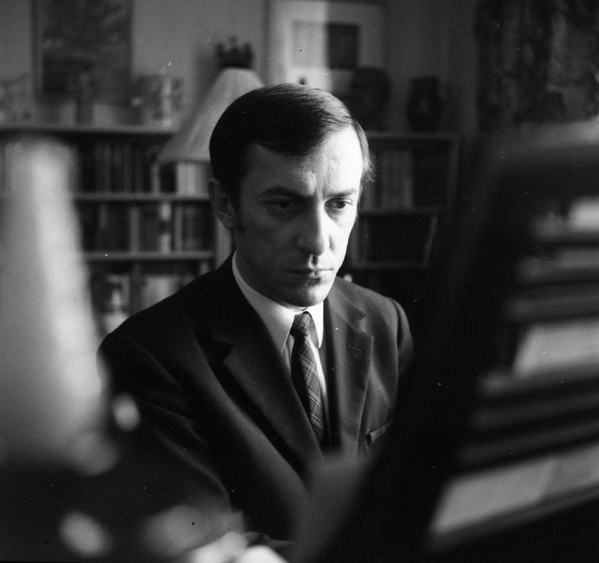 Antal Imre zongoraművész 1969-ben, budapesti otthonában.