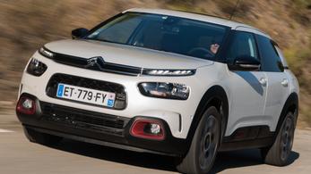 Jövőre jön az új Citroën C4