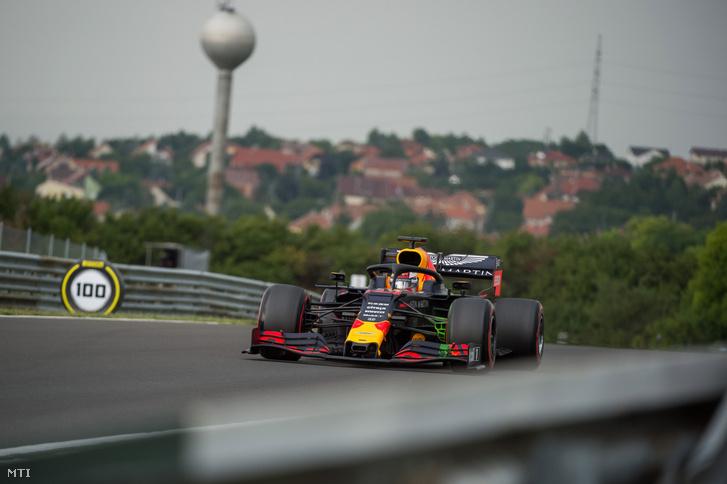 Max Verstappen a Red Bull holland versenyzõje a Forma-1-es Magyar Nagydíj elsõ szabadedzésén.