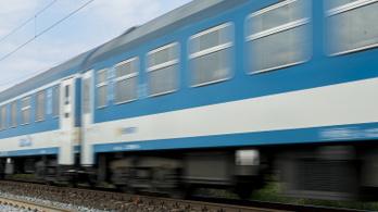 Késni fognak a vonatok Pécs felé még szombaton is