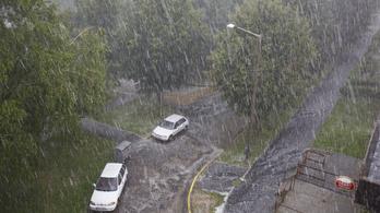 Vihar miatt figyelmeztetést adtak ki az ország teljes területére