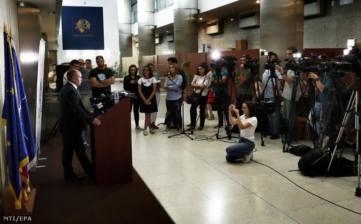 Felix Banila a román szervezett bűnözés és terrorizmus elleni ügyészség (DIICOT) főügyésze sajtótájékoztatót tart Bukarestben 2019. július 31-én.