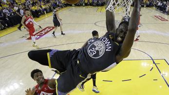Százmillió dollárért tartotta meg harmadik sztárját is a Warriors