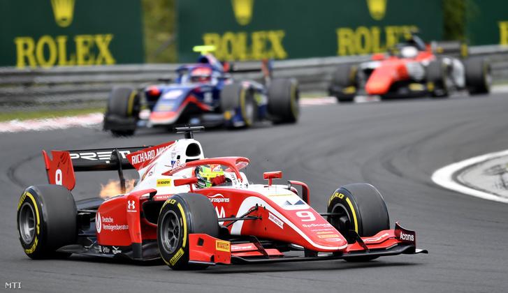 A német Mick Schumacher a PREMA Racing versenyzője a Forma-2-es verseny második futamán a Forma-1-es Magyar Nagydíj futama előtt a mogyoródi Hungaroringen 2019. augusztus 4-én.