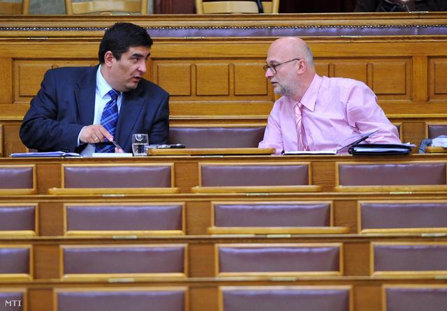 Szabó Máté és Kállai Ernő a kisebbségi jogok országgyűlési biztosa, 2008-ban.