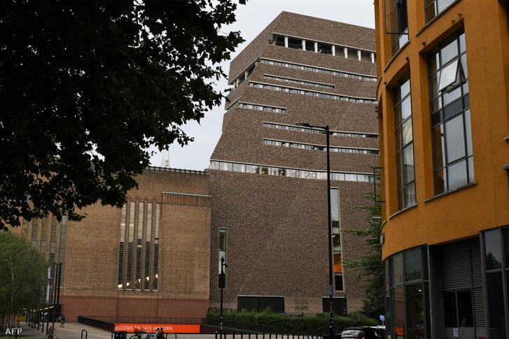 A Tate Modern galéria épülete Londonban