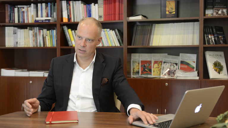 Orosz metrógyárral üzletel a londoni magyar nagykövet