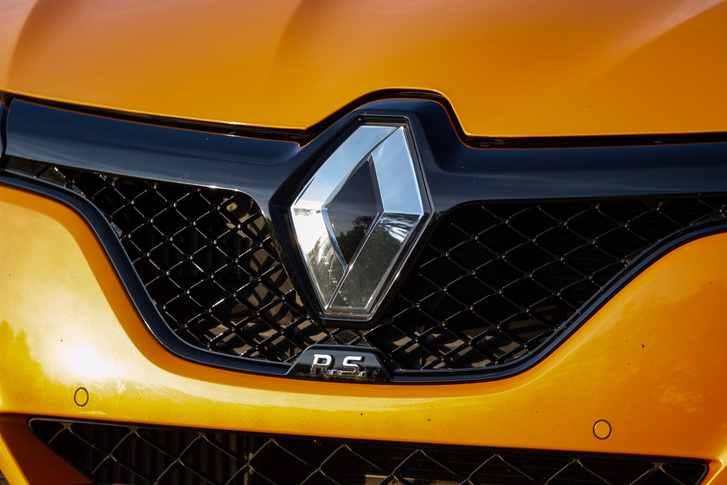 Rajta van a lényeg: Renault és RS