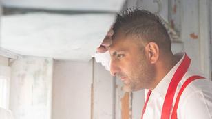 Gáspár Győzőnek sikerült úgy megvágnia magát borotválkozás közben, hogy az ügyeleten kötött ki