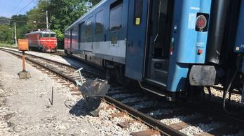 Kisiklott egy magyar vonat Szlovéniában