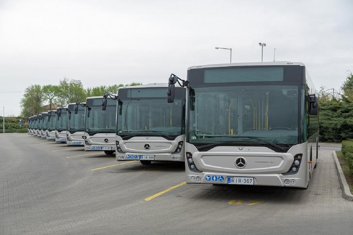 A MOL résztulajdonában lévő ITK buszgyártása egyelőre kimerül a török Mercedesek importjában. Tavasszal 50 darab ITK-s Conectót kapott a DAKK Zrt.