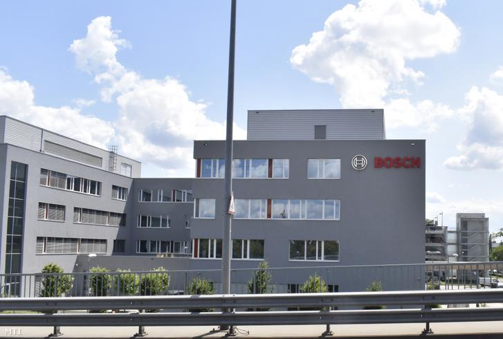 A Bosch Rexroth Hajtás- és Vezérléstechnika Kft. épületei a X. kerületi Gyömrői út 104. alatt.