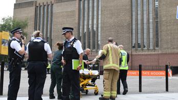 Semmit sem mond a tinédzser, aki lelökött egy kisfiút a londoni Tate Modern teraszáról