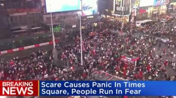 Pánik a New York-i Times Square-en: azt hitték, valaki lövöldözni kezdett