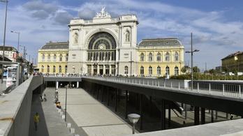 A 12 éves német gyerek világot akart látni, vonattal Budapestre jött