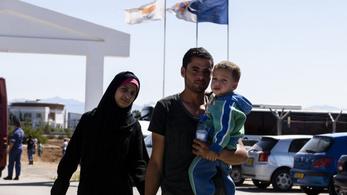 Ciprus ötezer menedékkérő átvételére kérte az uniós országokat