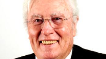 Halálra gázolták az illegális szemetelőket lefülelő polgármestert