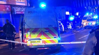 Macsetével támadtak egy rendőrre Londonban