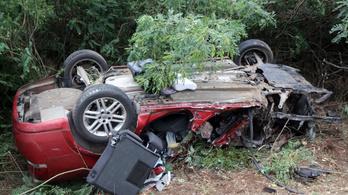 Apa és csecsemője halt meg a szerencsi autóbalesetben
