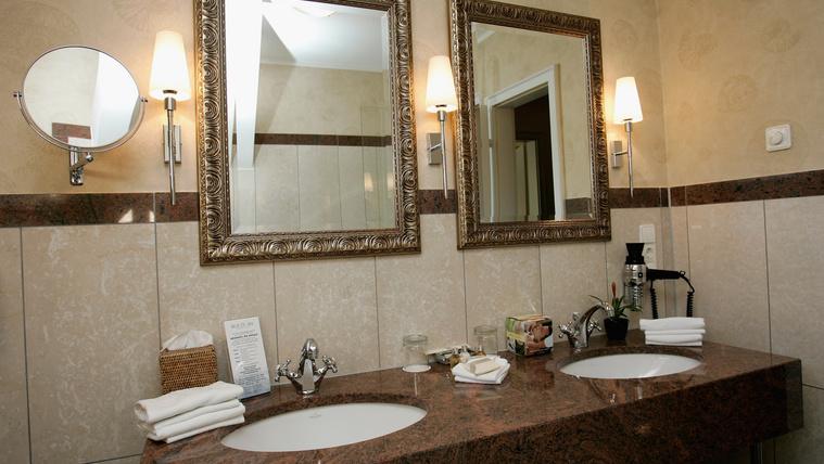 Miért nincs a hotelekben fogkrém a fürdőszobában?