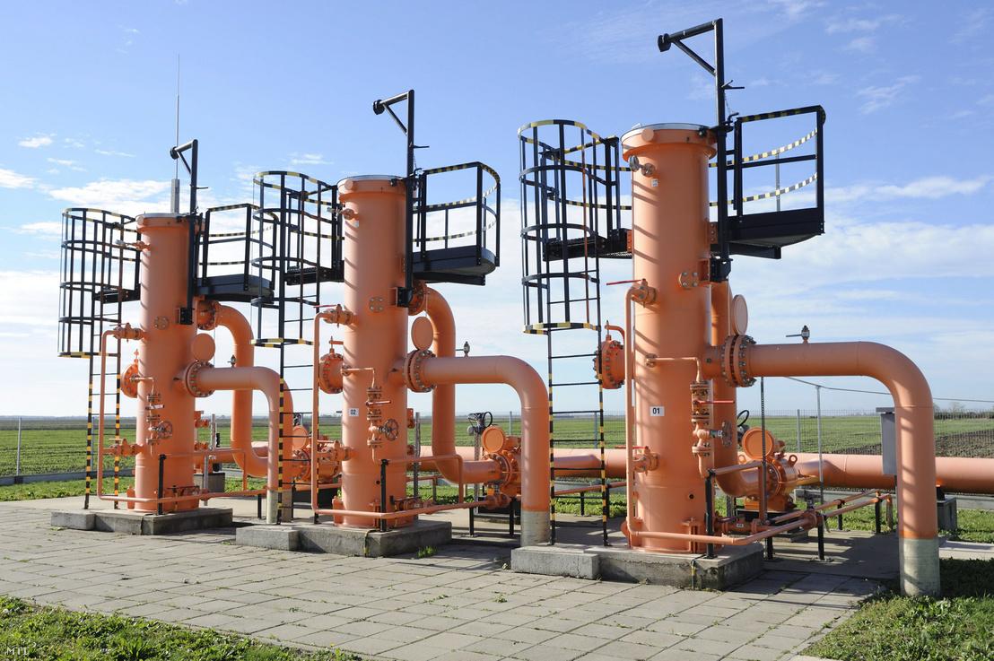Szûrõ-szeparátorok a Földgázszállító Zártkörûen Mûködõ Részvénytársaság (FGSZ Zrt.) csanádpalotai mérõállomásán a román-magyar gázvezetéken 2013. november 7-én. A tervek szerint Románia 2013 decemberében kezd gázt exportálni Magyarország felé az Arad-Szeged vezetéken keresztül.
