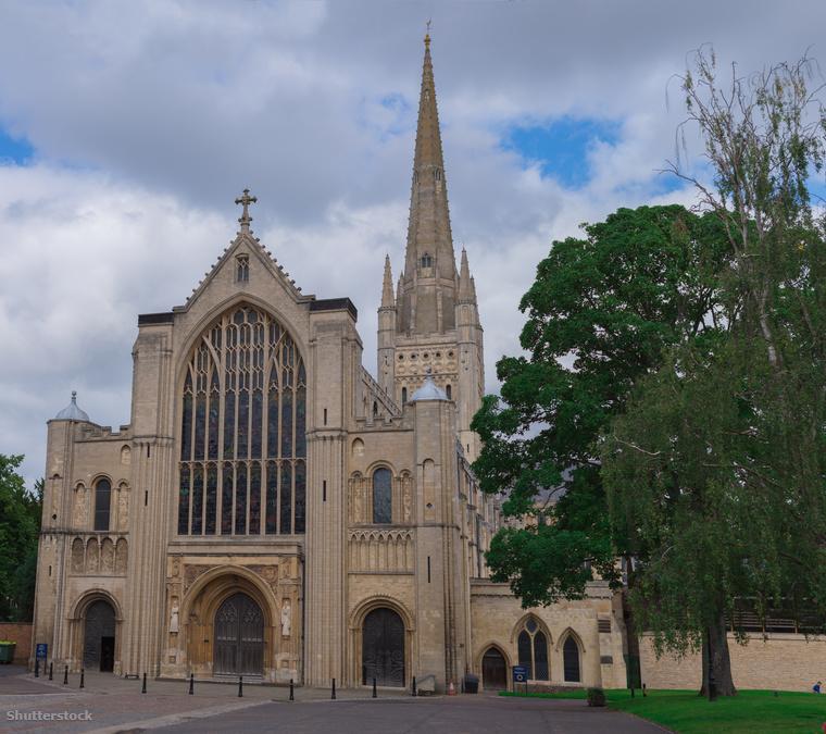 A Norwich-i Székesegyház több mint 800 éves múltra tekinthet vissza, 1145-ben fejezték be az építését.