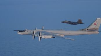 Atomtöltet hordozására is képes orosz bombázókat fogtak Alaszka partjainál