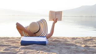Mielőtt még csobbanna a vízben: 5 könyv a strandra