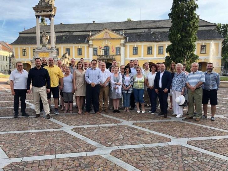 Hivatalosan is bemutatkozott a választópolgárok számára Cserép János független polgármester-jelölt és csapata 2019. június 17-én