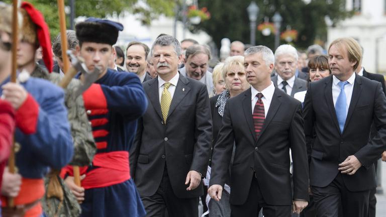 A város minden fideszes képviselője kilépett a Fideszből