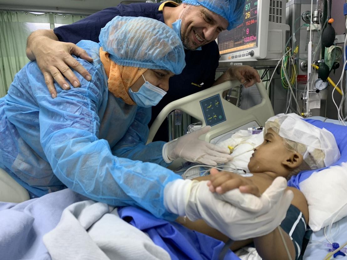 rabeya-ebren-edesanya-csapody-doktor-aneszteziologus (1)