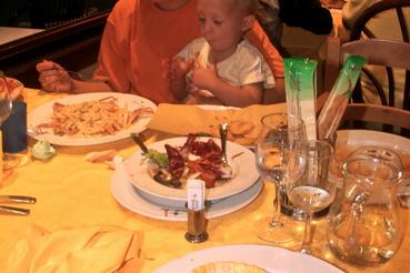 És a legelső vacsoránk itt, 12 évvel ezelőtt