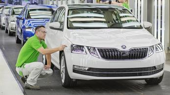 Bő ezer milliárd forintot vittek haza a külföldi autógyárak Csehországból