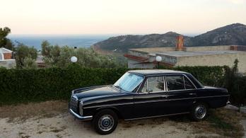 Olaszország-túra a 46 éves Mercedes-Benz 230-cal