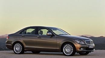 A Mercedes is érintett lehet a dízelbotrányban