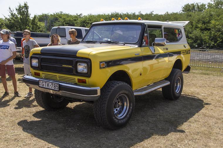 Ez sem jön gyakran szembe az utakon – International Scout II a '70-es évekből Jellemzően a korabeli Jeepek konkurens típusaként forgalmazták, a frissített II-es változatot 1971-től 1980-ig gyártotta az International Harvester Fort Wayneben