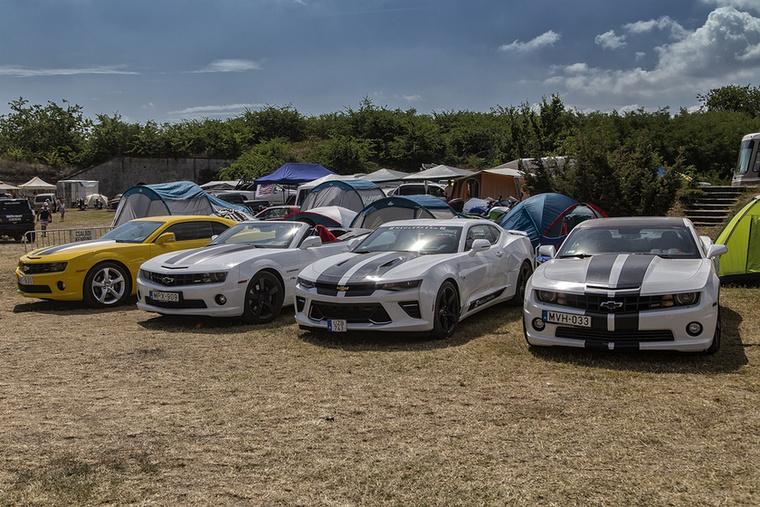 A Chevrolet klán rendes éves családi összejövetele, főszerepben a Camaro testvérekkel