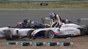Óriásit hibázott a ferraris Leclerc öccse, magyar pilótát ütött ki