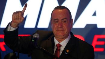Kitáncolhat az Amerikával kötött migrációs egyezményből Guatemala új elnöke
