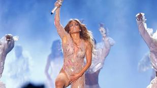 Jennifer Lopez nagyot ment egyiptomi koncertjén