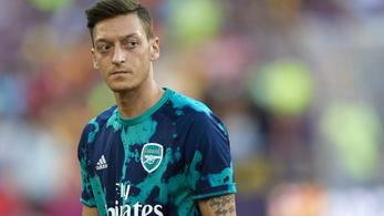 Példátlan eset, fenyegetés miatt hagyta otthon Öziléket az Arsenal