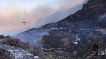 Még mindig nem sikerült eloltani a tüzet a Kanári-szigeteken