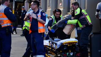 Videón, ahogy leteperték a késes ámokfutót Sydney-ben