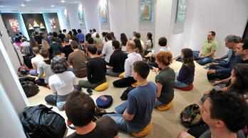 A buddhisták 22 ezer, a muszlimok 2 ezer forintot kapnak hívenként az államtól