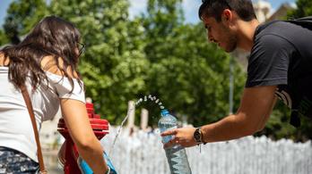 A hőségben még mindig mértéktelenül fogy a palackos ásványvíz