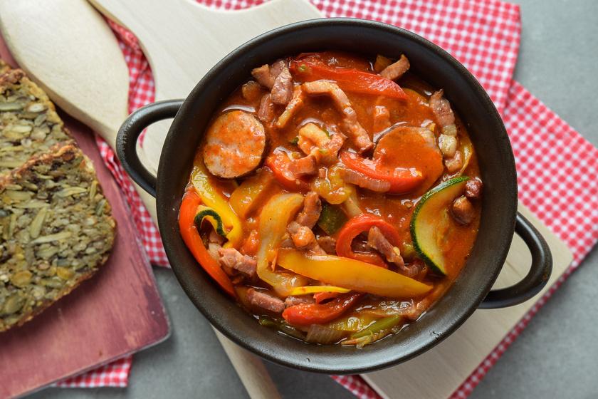 A legfinomabb paprikás ételek receptje: a lecsótól a töltött paprikáig